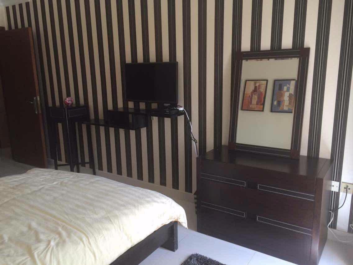 房屋出租:【次卧带车位】【女生床位】位于deria刘一手火锅