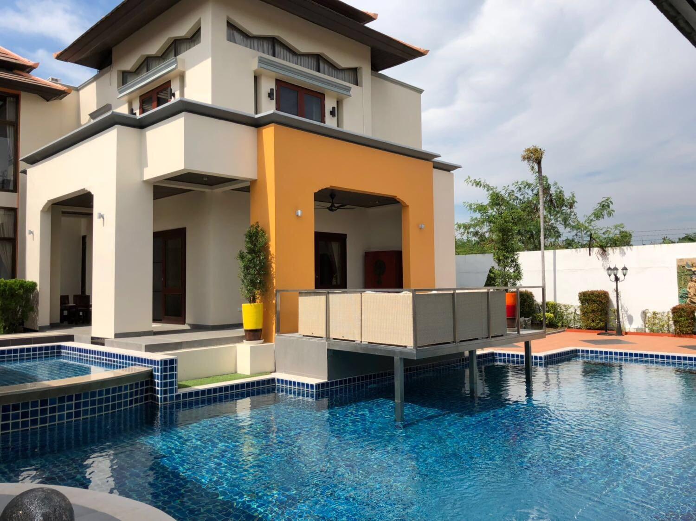 别墅转售:芭提雅五星盐浴泳池别墅,4+1卧5卫,占地1170